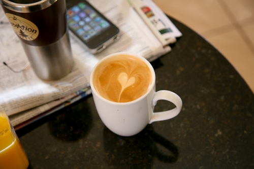 Latte_with_heart_Elevation_Coffee_Taos