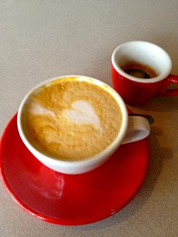 Heart_latte_Paulies_Houston