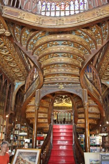 Bookstore_Porto_Portugal_most_beautiful