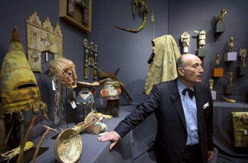 NY Times article about Hopi artifacts bought for Indians by Annenburg Foundation
