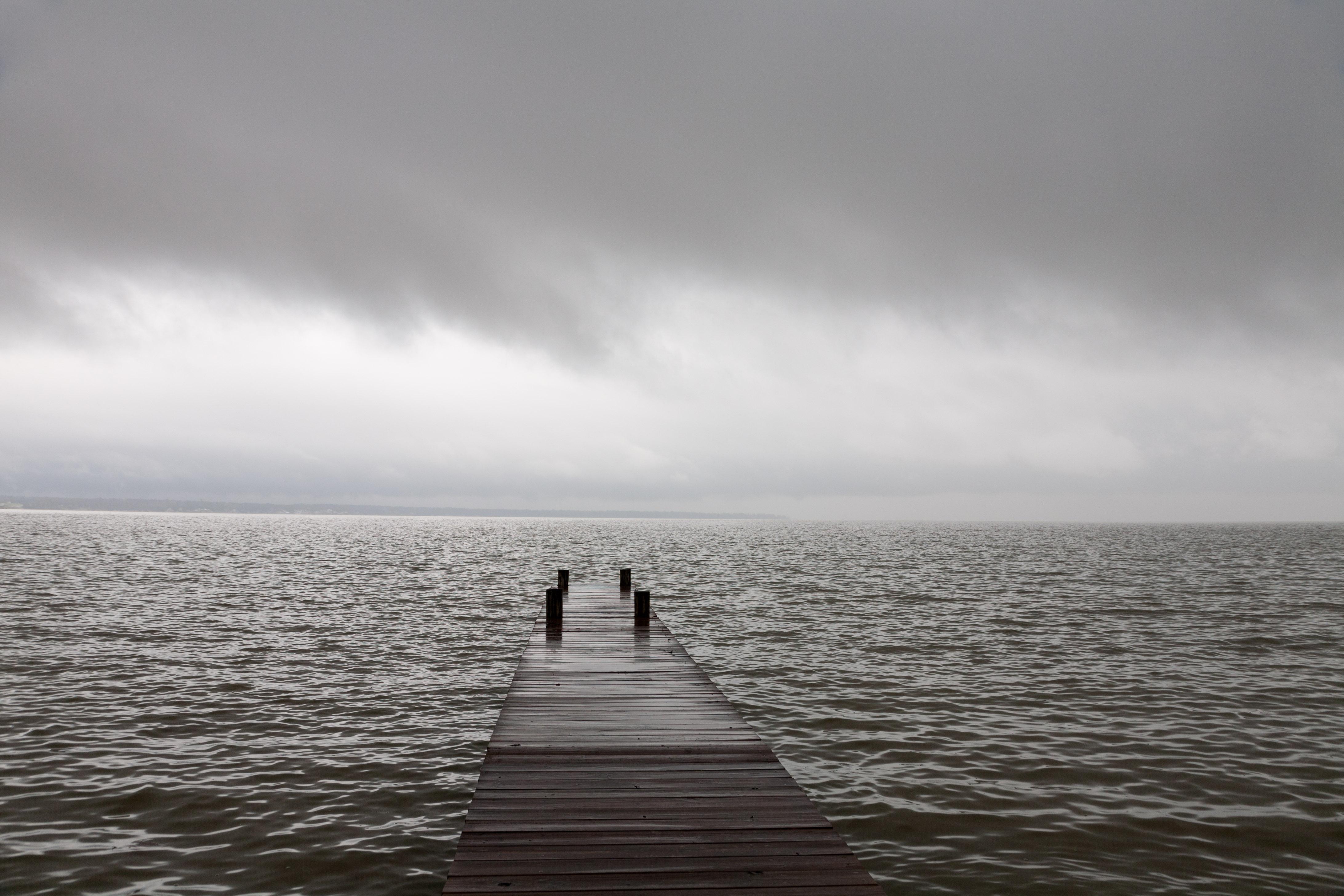 heidi_straube_Lake_Livingston_image_dock_inner_path_of_photography